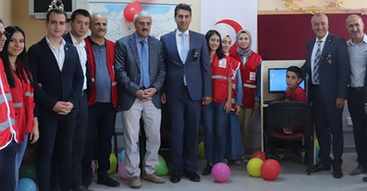 Yıldız Teknik Üniversitesi, Adıyaman Pınarbaşı İlkokulu'na Bilgisayar Laboratuvarı Kurdu!